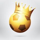 Balón de oro del fútbol/de fútbol con la corona Vector fotorrealista Imagen de archivo libre de regalías