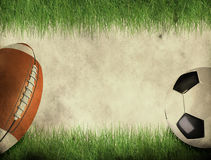 Balón del fútbol americano y de fútbol Fotografía de archivo libre de regalías