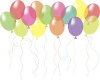 Balões brilhantes transparentes verdes, amarelos, cor-de-rosa, vermelhos, alaranjados, roxos em um branco, fundo Fotos de Stock Royalty Free