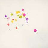 Balões coloridos no céu Fotos de Stock Royalty Free