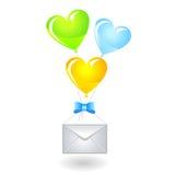 Balões dados forma coração com um envelope Imagens de Stock