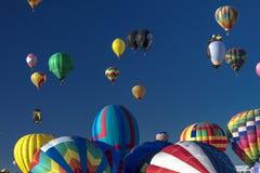 Balões de ar quente coloridos na festa do balão de Albuquerque, Alb Imagem de Stock