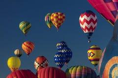 Balões de ar quente coloridos na festa do balão de Albuquerque, Alb Imagens de Stock