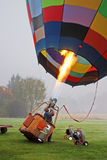 Balões de ar quente coloridos que preparam-se para o voo em Vermont Fotos de Stock