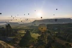 Balões de ar quente em Cappadocia, em maio de 2017 Fotografia de Stock