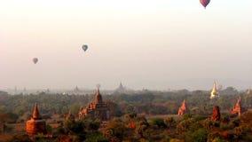 Balões de ar quente sobre Bagan 2 vídeos de arquivo