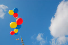 Balões no céu fotos de stock