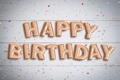 Balões que formam o ` do feliz aniversario do ` das palavras Fotos de Stock