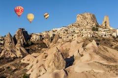 Balões quentes sobre Uchisar Fotos de Stock