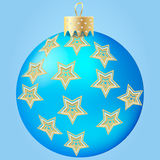 Bal azul de la Navidad Fotos de archivo