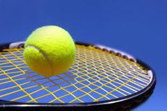 Bal en racket Royalty-vrije Stock Afbeelding