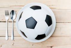 De bal en de lepel van het voetbal stock illustratie afbeelding 23638854 - Sterke witte werpen en de bal ...