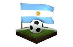 Bal voor het spelen van voetbal en nationale vlag van Argentinië op gebied met gras Royalty-vrije Stock Foto's