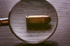 bala do calibre de 9mm para a pistola do beretta Fotografia de Stock