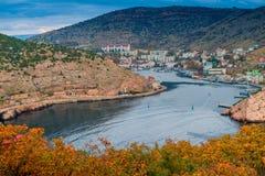 Balaclava, la penisola della Crimea, belle montagne rocciose e fotografia stock