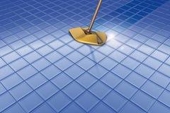Balai et plancher bleu et réflexion Image libre de droits
