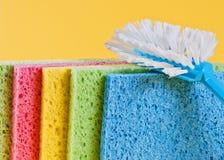 Balai et éponges pour le nettoyage Photographie stock