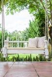 Balanço do vintage e luz - descanso cor-de-rosa da flor Imagem de Stock