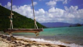 Balanço em uma praia tropical filme
