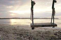Balanço na praia imagem de stock