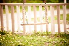 Balanço no quintal fotos de stock royalty free