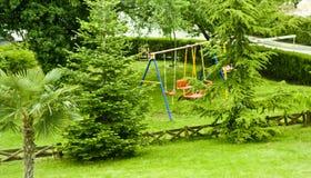 Balanços no quintal Foto de Stock