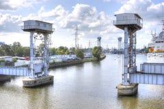 Balance-Brücke auf dem Pregolya-Fluss Stockfotografie