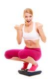 Balance de femme réussie heureuse dieting images stock