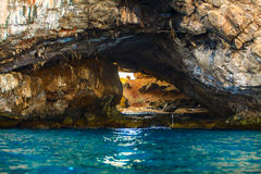 Balance a ilha no mar tropical azul, ilha de Filipinas Boracay fotos de stock
