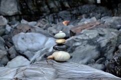 balance stenar arkivfoton