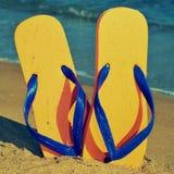 Balanceos en la arena de una playa Imagen de archivo