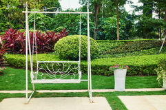 Balanço no jardim Fotos de Stock Royalty Free