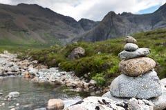 Balansera begrepps-, inspiration-, zen-som och välbefinnandelugn Arkivfoton