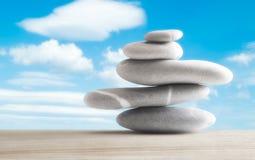 Balansera för stenar Arkivbild