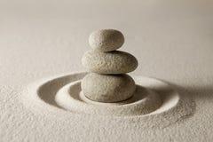 balansera stenar Arkivbild