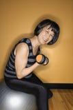 balansowy balowy udźwig obciąża kobiety Obrazy Royalty Free