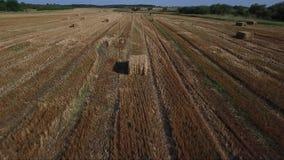 Balas de heno en el campo, seno metrajes
