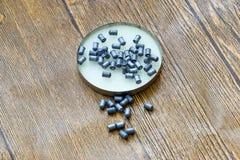 Balas de la ventaja para las armas neumáticas Balas del calibre 4 5 milímetros Foto de archivo