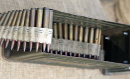 Balas e exército histórico da munição durante um reenactment Foto de Stock