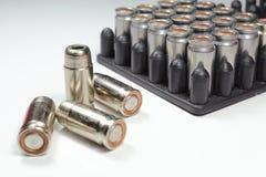 Balas muy peligrosas de un arma de fuego para el uso comercial Imagenes de archivo