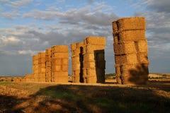 Balas rectangulares de la paja. Imagenes de archivo