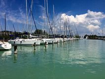 Balaton pälsfodrade yachtklubban, Ungern Arkivbilder