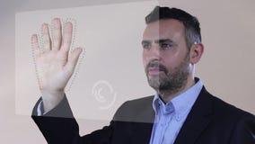 Balayage d'empreintes digitales pendant l'essai biométrique banque de vidéos