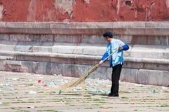 Balayeuse chinoise dans le Cité interdite Images stock