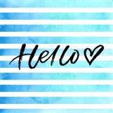 Balayez le lettrage bonjour avec le coeur sur les rayures bleues d'aquarelle Photo libre de droits