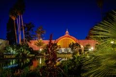 Balboa parkowy ogród botaniczny i leluja staw przy nocą szeroką Obraz Stock