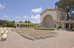 Balboaen parkerar den utomhus- konserten och teatern Kalifornien. arkivbilder