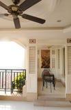 Balcão com ventilador elétrico fotografia de stock