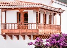 Balcão de madeira canarino típico fotografia de stock royalty free