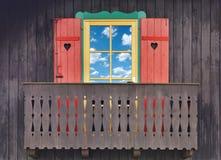 Balcão de madeira do chalé foto de stock royalty free